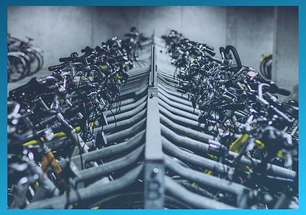 Photo d'un parking à vélos surveillé